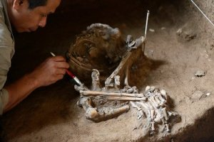 Peradaban Masa Lalu Gua Kidang